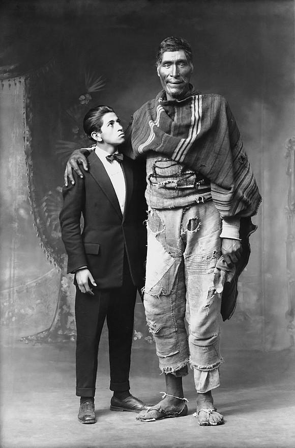 Dois gigantes cusquenhos (1925)