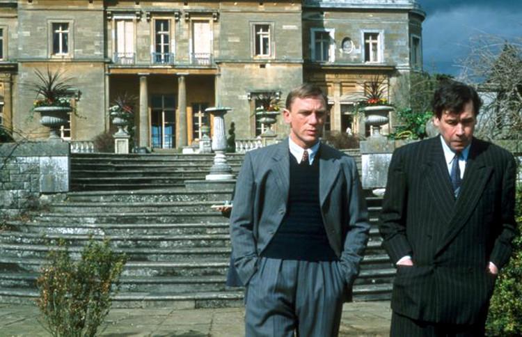 Daniel Craig (Heisenberg) e Stephen Rea (Bohr) em cena de Copenhagen