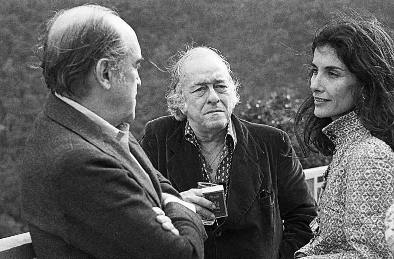 Oscar Niemeyer, Vinicius e Susana Moraes durante as filmagens