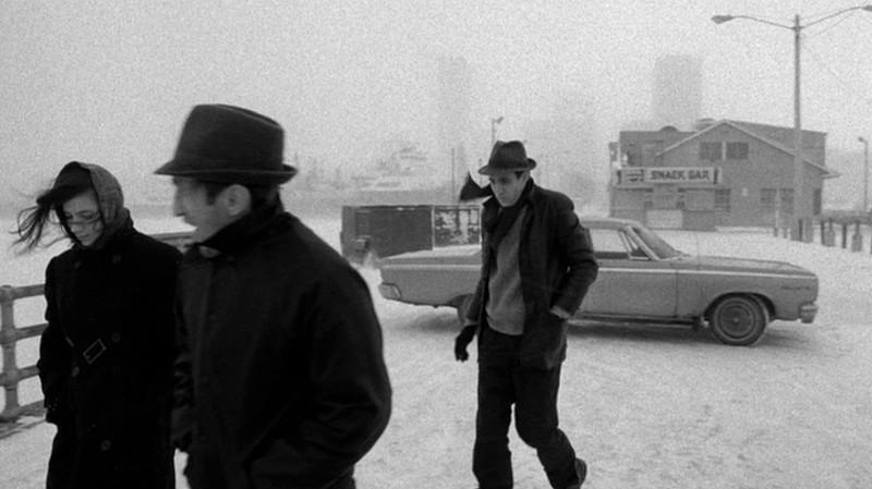 Cena de Estranhos no paraíso (1984), de Jim Jarmusch