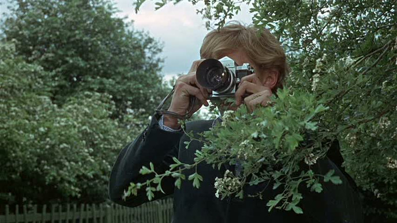 David Hemmings em cena de Blow-up, de Antonioni