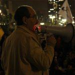 """""""Democracia de baixa intensidade militariza gestão social"""" – quatro perguntas para Paulo Arantes"""